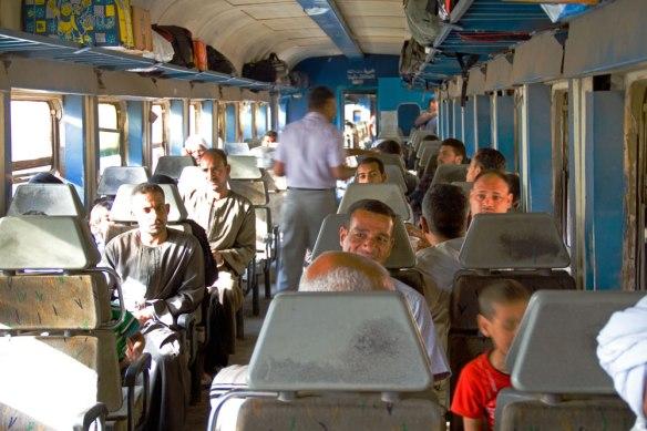 6507_-Bh-Lux-Männer-im-Zug